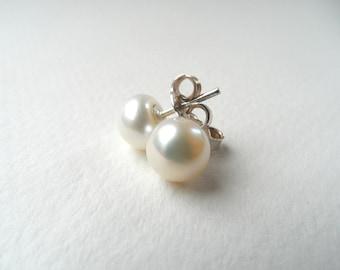 Freshwater pearls stud earrings, sterling silver earrings, bridal earrings, bridesmaid earrings, bridesmaid earring, wedding earrings