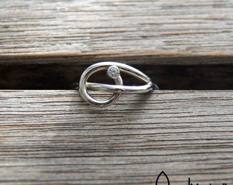 Knot ring with birthstone