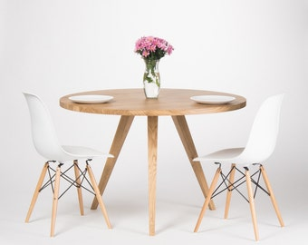 Round dining table, large kitchen table, made of solid oak wood, Ø 120 cm