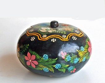 Vintage Olinala Mexico Lacquer Hand Painted Gourd Old Mexican Folk Art Guerrero