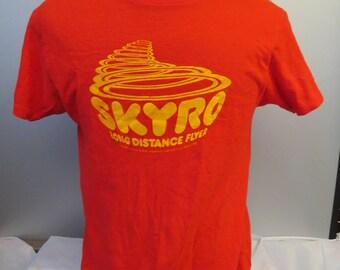 Vintage Flying Disc (Frisbee) Shirt - Skyro The Long Distance Flyer - Men's L