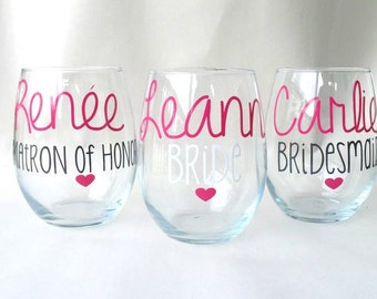 Bridesmaid Wine Glasses, Personalized Gift for Bridesmaids, Wedding Party Glasses, Maid of Honor