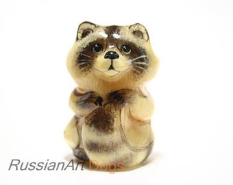 Figurine Raccoon, statuette of natural stone - selenite (lunarian)