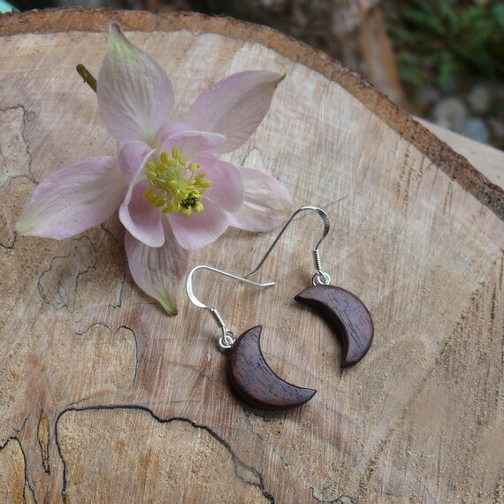 Small Crescent Moon Earrings, Boho Moon earrings, Moon jewelry, Moon phase dangle earrings, Love you to the moon and back, Moon goddess