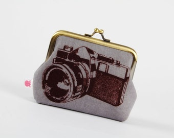 Metal frame purse - Camera on grey - Deep dad / Urban boho / Retro camera vintage inspired photo / pink gray black / Echino Ni Co