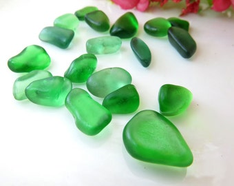 Undrilled Genuine Surf Tumbled Small Green Sea Glass / Beach Glass for Wrapping,Jewelry,Masaic, Crafts