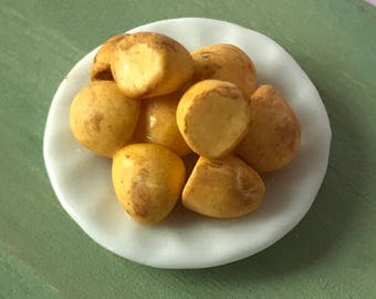 Dolls House 12th scale miniature food - Plate of roast potatoes