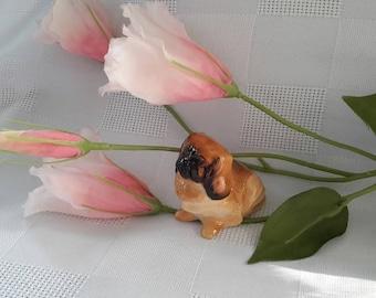 Royal Doulton Bone China Sitting Pekinese Figurine
