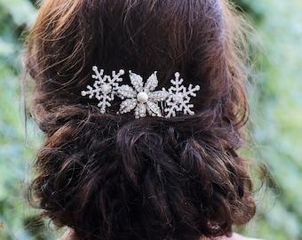 Winter Snowflake hair Comb ,Snowflake Hair Accessories,Wedding hair comb, Crystal Hair Comb ,Bridesmaid hair , Crystal Headpiece,  gift