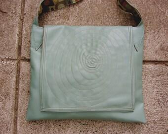 Circle Motif Messenger bag