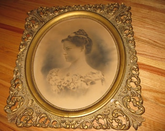 """ORNATE ANTIQUE FRAME Large- 1800's- Oval Opening With Antique Photograph On Canvas All Original Frame Measures 22"""" x 25 1/2"""""""