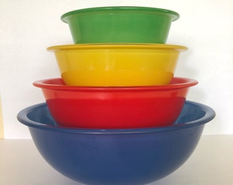 Vintage Pyrex Primary Color Clear Bottom Rimmed Nesting Bowls - Set of Four - 322, 323, 325, 326 - Green, Yellow, Red, Blue