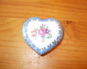 Dresden heart shaped lidded trinket pot/trinket box