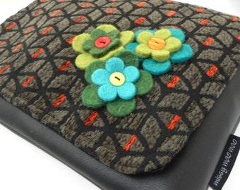 Dilly felt flower satchel bag by Missy Mao Mao