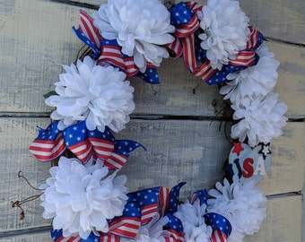 I love America Wreath, Americana Decor, Red White Blue, Patriotic Memorial Day, Labor & Veterans,Happy Birthday America,Rustic home decor