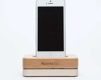 iPhone Docking Station | Bamboo & Gold - iPhone 5 – 5s - iPhone 6 – 6s – 7 Docking Station | Bamboo Wood Stand | Gift For Men - Women
