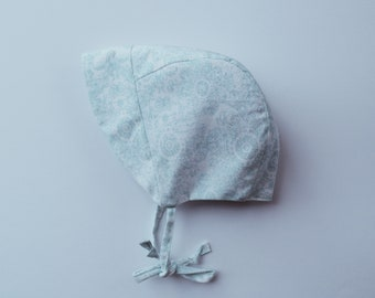 Blue & White Bonnet