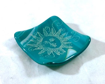 "3"" Dish Turquoise Fused Glass Trinket, Votive, Ring Dish Sun Face"