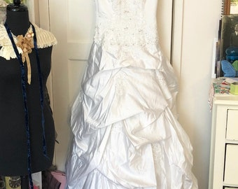 vintage white satin wedding dress with beading ruching sequined straps size 10
