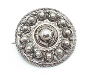 Lovely Ornate Art Deco Sterling Silver Round Filligree Openwork Pin Brooch-Antique Estate Jewelry!