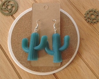 Green Cactus oil-shaped pendant earrings