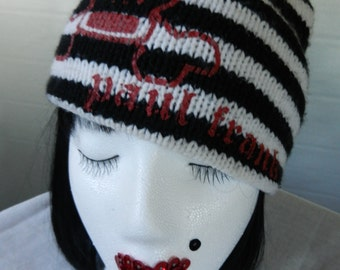 Retro 90's Paul Frank Striped Black and White Knit Beanie Cap Skull and Crossbones