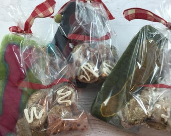 Felt Bag with Dog Bone with Mixed Treats for Your Dog ~ All Natural Dog Cookies ~ Dog Snack ~ Treat Bag ~ Cosmetic Bag ~ Pencil Pouch ~