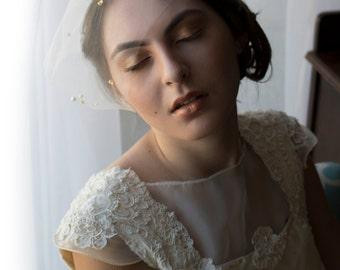 Bridal birdcage veil, tulle birdcage veil, pearl veil, eye length mini veil, nose length veil, veil, beaded veil, gold veil,