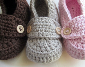 Baby Booties, Crib Shoes, Baby Slippers // Many sizes and colors to choose from // Pregnancy Reveal, Gender Reveal, Baby Shower gift