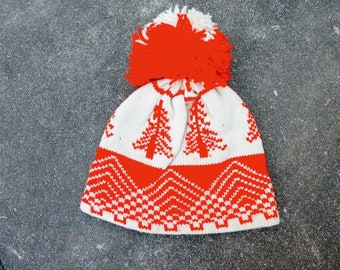 Roasty Toasty pom pom winter wool hat ski 70's red cream trees Scandinavian style original vintage