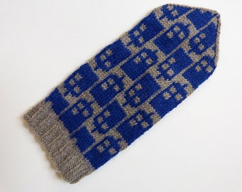 Doctor Who knitting pattern - Police Box Mittens