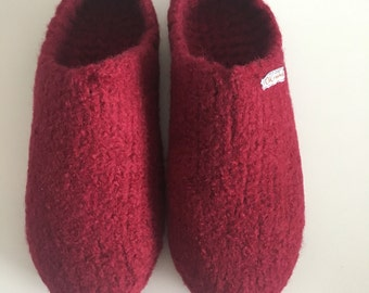SUPER warm and thick felt clogs, plain