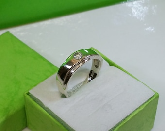 17.8 mm 925 Silver ring with Crystal stone SR682