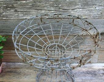 Vintage Wire Plant Stand / Heart Design