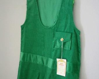 Deadstock 70s Girls Green Corduroy Jumper Sz 5 6