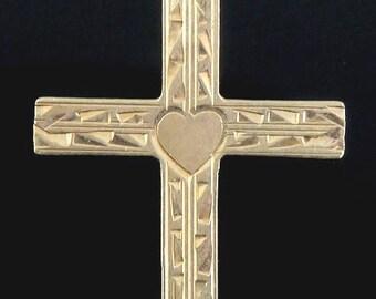 Beautiful 14K Yellow Gold Engraved Heart Design Cross Pendant