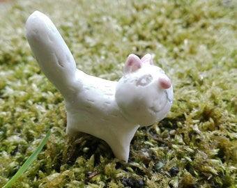 Terrarium Miniature  Cat  figurine  Porcelain Totem Doll house  Accessory Hand sculpted