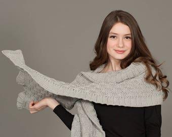 Tricotés à la main de laine mérinos rococo châle en laine mérinos gris, luxueux léger Wrap, la mode des femmes automne hiver écharpe, Hygge, chaud, gris, gris