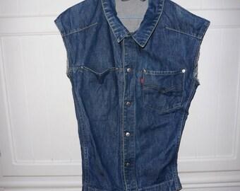 LEVIS denim jacket size L 1980s