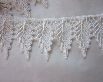 Ivory Venise Leaf Lace 35 Leaves Fairy Costume Quilt Bridal Clothing Pillow Couture Jewelry Designs