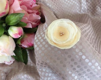 Flower 5 cm in beige/ivory and white chiffon with pearls