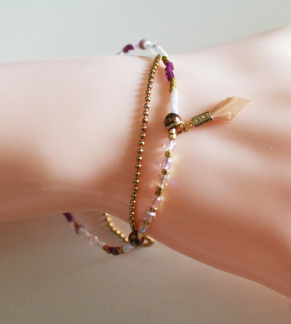 Double bracelet pearls, mini charm feather + bracelet chain