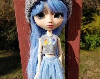Knitted hat for Pullip sized dolls