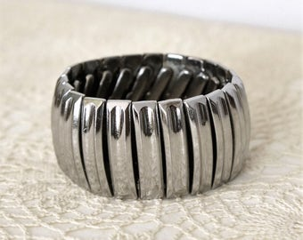 Stretch Bracelet Vintage 1950's Cuff Silvertone Hollywood Bling