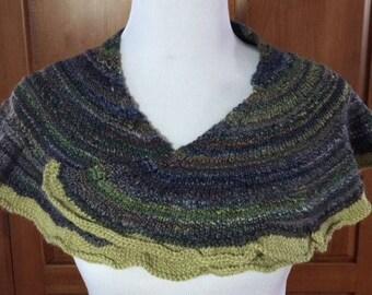 Hand-dpun, hand-knit shawlette