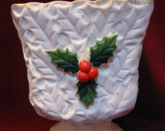 "Free Shipping! Lovely Napcoware WHITE HOLLY Berries Pedestal PLANTER Vase 4.5"" Vintage 1950's Mid Century Christmas Decoration Like New 1323"