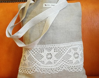 Bag of linen, lace applied