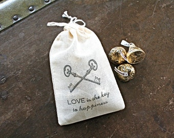 Wedding favor bags, set of 50 drawstring cotton bags, skeleton keys, Love is the Key to Happiness, Bridal shower favor bags, hand stamped