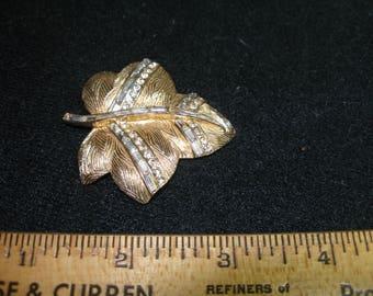 Rhinestone Leaf Brooch (783)
