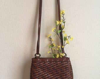 Brown Vintage Woven Leather Purse